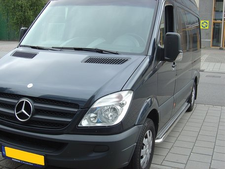 Mercedes Sprinter L1 sidebars 60 mm met RVS trede
