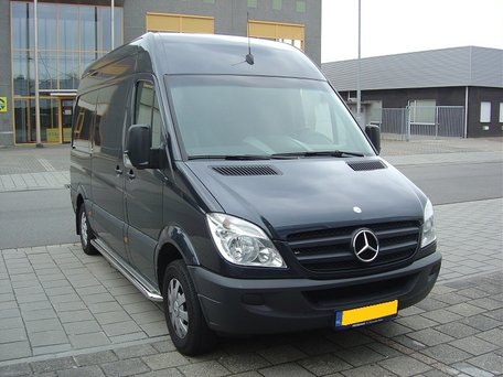 Mercedes Sprinter L3 sidebars 60 mm met RVS trede