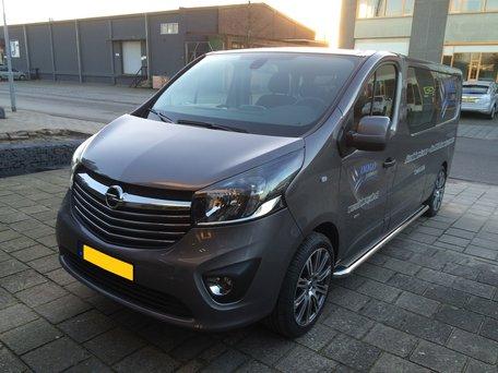 Opel Vivaro 2014+ L1 sidebars 60 mm met RVS trede