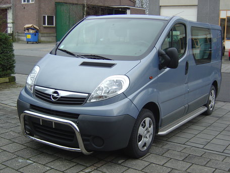 Renault Trafic 2001 tot 2014 L2 sidebars 60 mm met RVS trede