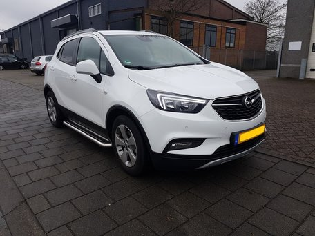 Opel Mokka X sidebars 60 mm met RVS trede