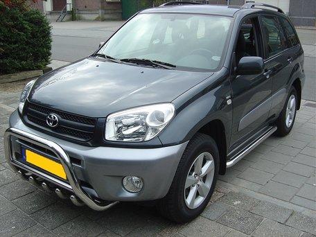 Toyota RAV 4 tot 2006 sidebars 60 mm met RVS trede