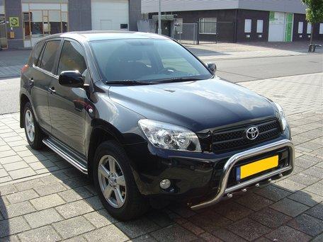 Toyota RAV 4 van 2006 tot 2013 Sidebars 60 mm met RVS trede