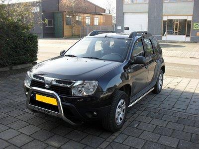 Dacia Duster Sidebars buis 60 mm gebogen naar dorpel